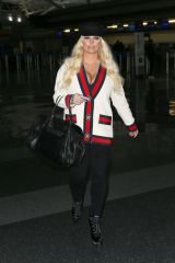 Jessica Simpson Spotted arriving at JFK airport in New York