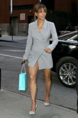 Halle Berry Is looking great while arriving at the 2018 Matrix Awards in New York City displaying her legs
