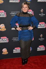 Kelly Clarkson At Radio Disney Music Awards, Los Angeles