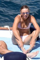 Caroline Wozniacki and former NBA star David Lee are on a romantic holiday in Capri