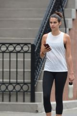 Sara Sampaio Heads to the gym in New York City