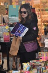 Rachel Bilson Shopping at Paper Source in Studio City