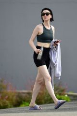 Laura Prepon Leaving pilates class in LA