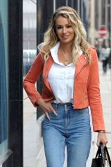 Olivia Attwood Shopping in Manchester