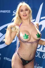 Natalia Starr At Sapphire Pool & Day Club opening weekend celebration in Las Vegas