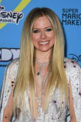 Avril Lavigne At 2019 Radio Disney Music Awards in Studio City