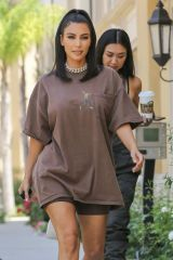 Kim Kardashian Leaves a meeting in Calabasas
