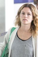Rachel Bilson At the Airport in Toronto