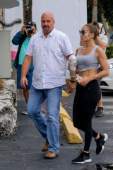Jennifer Lopez Heading to the gym in Miami