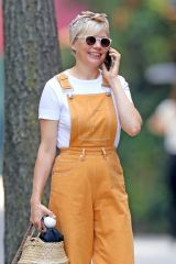 Michelle Williams Spotted walking her dog and running errands in Brooklyn, New York