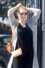 Amy Adams Shows off what might be a baby bump while out in Beverly Hills