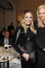 Margot Robbie At Elle Women in Hollywood awards ceremony