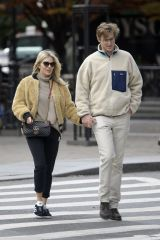 Sienna Miller Holding hands with boyfriend Lucas Zwirner in New York City