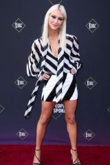 Zanna Roberts Rassi At 45th Annual People's Choice Awards, Arrivals, Barker Hanger, Los Angeles