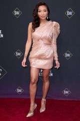 Jeannie Mai At 45th Annual People's Choice Awards, Arrivals, Barker Hanger, Los Angeles