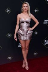 Lala Kent At 45th Annual People's Choice Awards, Arrivals, Barker Hanger, Los Angeles