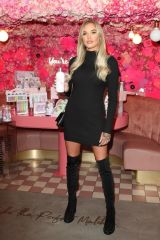 Lauren Houldsworth Attends the Beauticology x Elan Cafe Launch in Knightsbridge, London