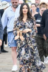 Jenna Dewan Films on the Santa Monica Pier