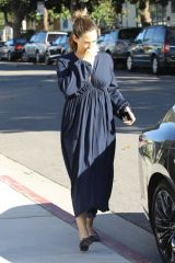 Jennifer Garner Attends Sunday Church service in Pacific Palisades
