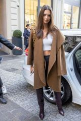 Emily Ratajkowski Out and about in Milan
