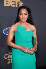 Angela Bassett At 51st NAACP Image Awards in Pasadena