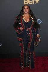 Jill Scott At 51st NAACP Image Awards - Arrivals