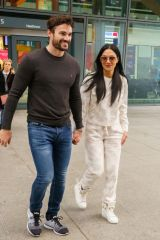 Nicole Scherzinger And Boyfriend Tom Evans Arrive In The UK