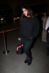 Priyanka Chopra Arriving at the Mumbai Airport
