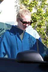 Joe Jonas & Sophie Turner Grab a meal at Sweet Butter in Studio City