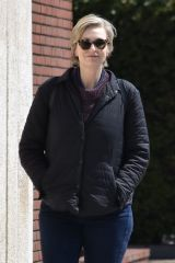 Jane Lynch In good spirits for a Coffee Run