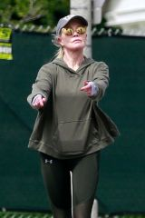 Melanie Griffith Stretches it out on her afternoon walk