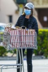 Calista Flockhart Shops for groceries in Santa Monica