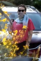 Olivia Wilde Made due with a bandana as a mask in Silver Lake