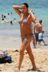 Tash Spencer Spotted At Coogee Beach With Her Boyfriend