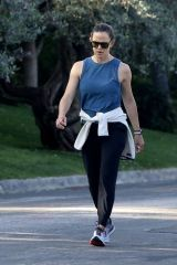 Jennifer Garner O&A in Pacific Palisades