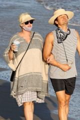 Katy Perry & Orlando Bloom Soak up the sun on a beach in Santa Monica