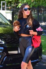 Olivia Culpo Looks fantastic as she visits a friend's house in Woodland Hills