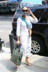 Sarah Jessica Parker Seen leaving her shoe store in the Seaport District in New York