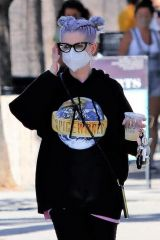 Kelly Osbourne Exiting Joan's on third after grabbing coffee in Los Angeles