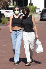 Amelia Gray Hamlin and Delilah Belle Hamlin heading home after getting some shopping done at the Malibu Country Mart