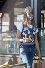 Daisy Edgar Jones Pictured grabbing coffee in London