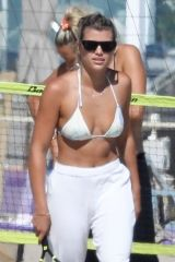 Sofia Richie Enjoys a beach day with her friends