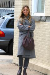 """Kaley Cuoco During scene in an alley at """"The Flight Attendant"""" set this afternoon in Long Island City"""