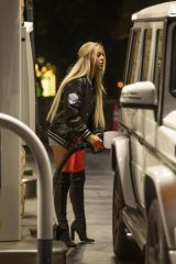 Kaylyn Slevin Seen pumping gas in Calabasas