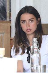 Ana de Armas Gets A Break From Ben Affleck To Lunch With The Girls