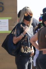 Heidi Klum Arriving at Nobu for lunch in Malibu