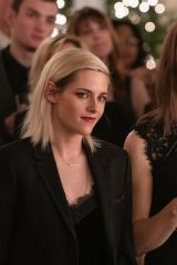 Kristen Stewart and Mackenzie Davis - Happiest Season stills (2020)