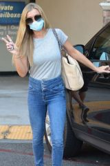 Joanna Krupa At Car Cutie Gives The V Sign