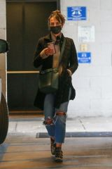 Jordana Brewster Drops her dog off at a Vet in Westwood