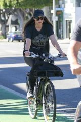 Christina Schwarzenegger Enjoying a Saturday morning bike in Santa Monica